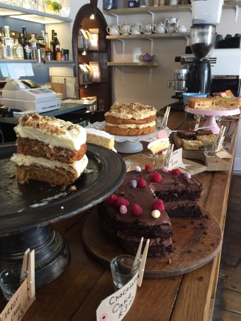 Love Cake etc: We love cake too so very excited to find the pretty bunting led to this yummy new place in Corfe