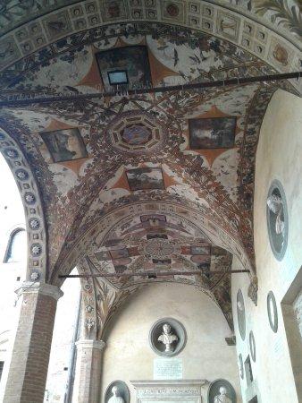 Siena, Italië: il cortile