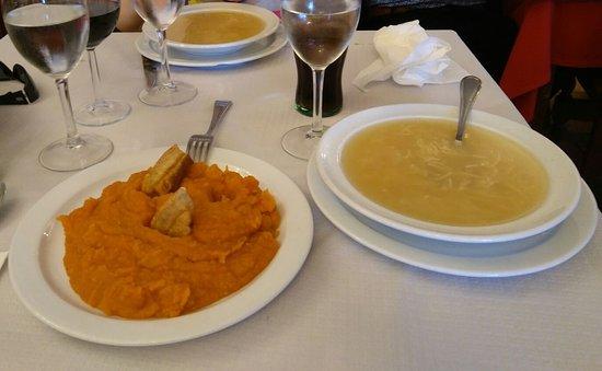 San Martin del Pimpollar, สเปน: Patatas revolconas
