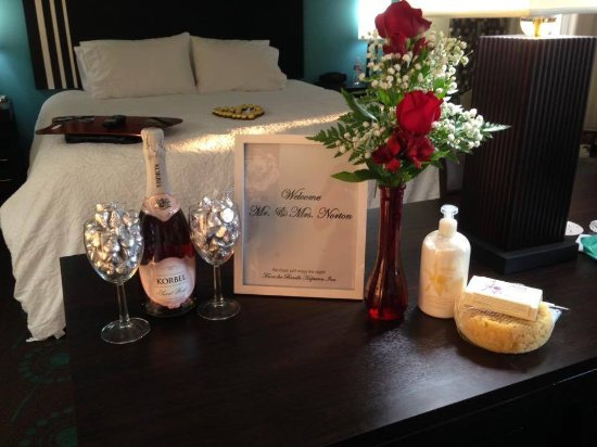Beeville, TX: Romance Package