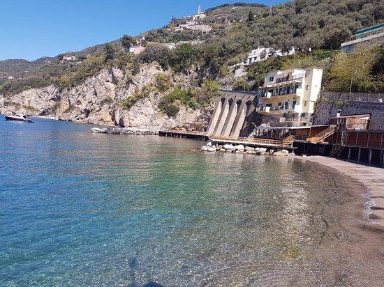 Spiaggia Privata con Ristorante Antico Bagno - Picture of Astoria ...