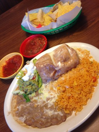 Brooksville, FL: The White Chimichanga! Yum!
