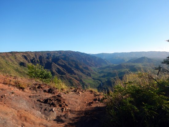 Waimea Canyon: Pulled over on side of road