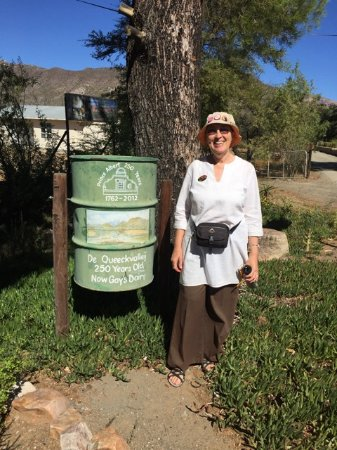 Prince Albert, África do Sul: Out and about on a History Walk in Summer - hat and water required!
