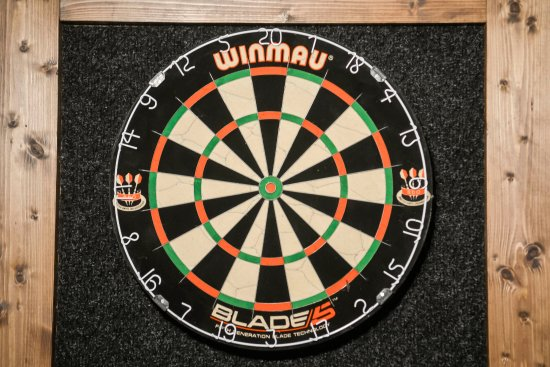 Chalfont St Peter, UK: Anyone for darts?