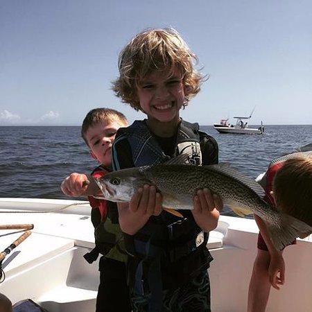 Southport, Karolina Północna: Kids always Fish Free on Reelin' Pelican