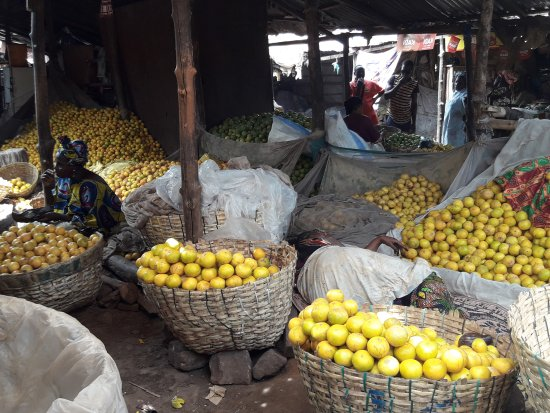 Bamako: vegetable market at the south bank: 20170412_104437_large.jpg