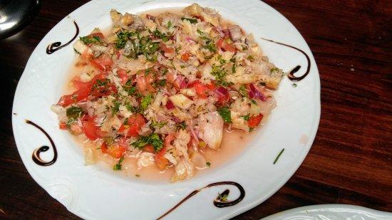 Aguimes, Spain: Ensalada Tropical y Salpicón de Cherne.