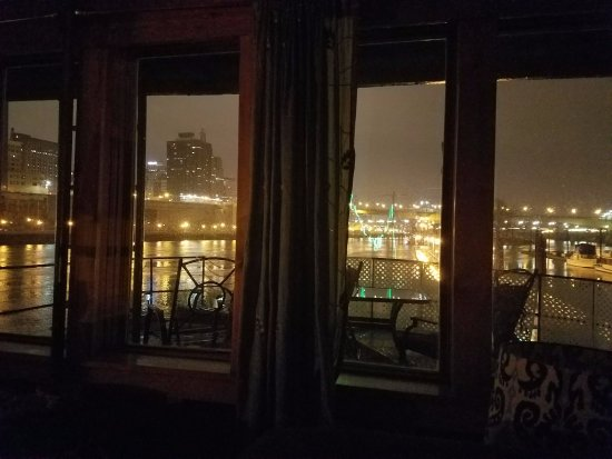 Covington Inn: Beautiful view of downtown St Paul.
