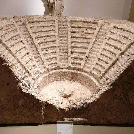 جولة في متحف بيروت الوطني Img-20170418-215028-586