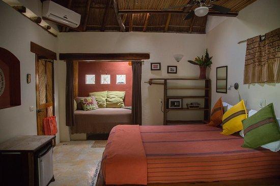 "La Selva Mariposa : Room 2""Cascada"""