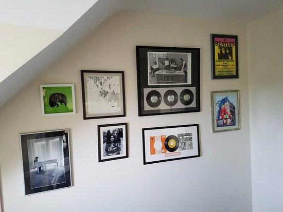 Hillside Lodge: The Beatles Room (Room 1)