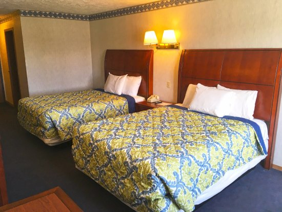 Decatur, Индиана: Two Double Beds