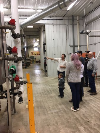Neepawa, Canada: Stop by for a tour of the Brewery!