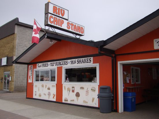 Sturgeon Falls, Canadá: Famous Chip Stand