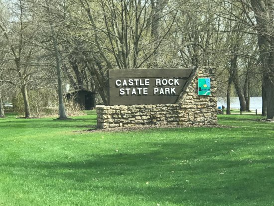 Oregon, IL: Entrance sign near a picnic area