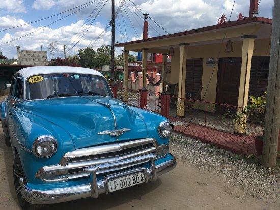 Taxi Vinales Cuba