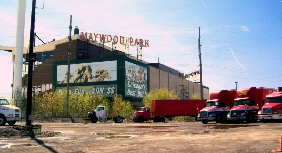 Melrose Park, Ιλινόις: no more horsing around. ...what's left of a once-popular racetrack