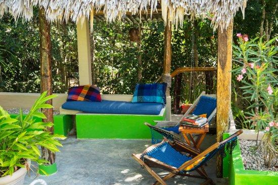 """La Selva Mariposa: Private roof-top lounge for Room 4""""Luna de Miel"""""""