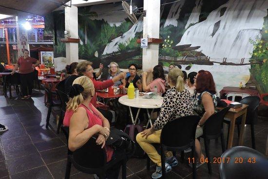 Foz do Iguaçu: bar da mirian excelente tanto para comer e para comprar azeite e queijos vinhos