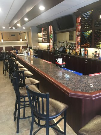 South Glens Falls, État de New York : Newly renovated bar