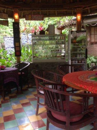 Aiona Garden of Health: Inside