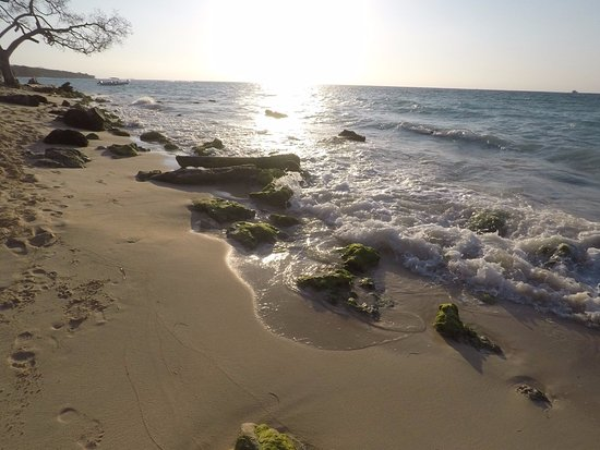 Isla Baru, كولومبيا: atardecer playa blanca
