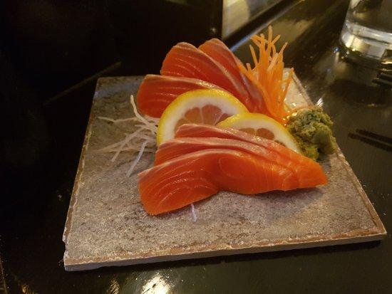 Yamagoya : Sockeye salmon sashimi