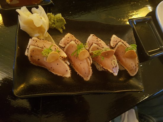 Yamagoya : Pepper seared tuna nigiri