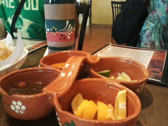 Angels Camp, Califórnia: Custom made salsa dishes, good home made appetizers.