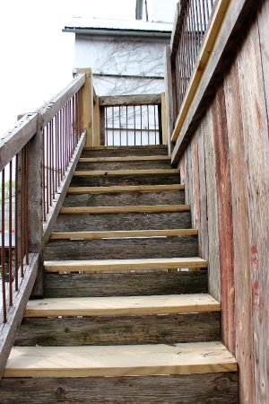 Weston, MO: Stairs from the bar to the B&B