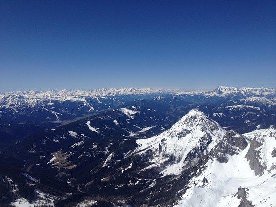 Skywalk Dachstein: glorious mountain views