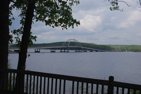 Hardin, KY: This view of the bridge to Land Between the Lakes National Park is around by the Marina.
