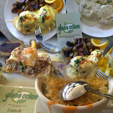 Allen Park, MI: Crab Benedict, Biscuits and Gravy, French Onion Soup