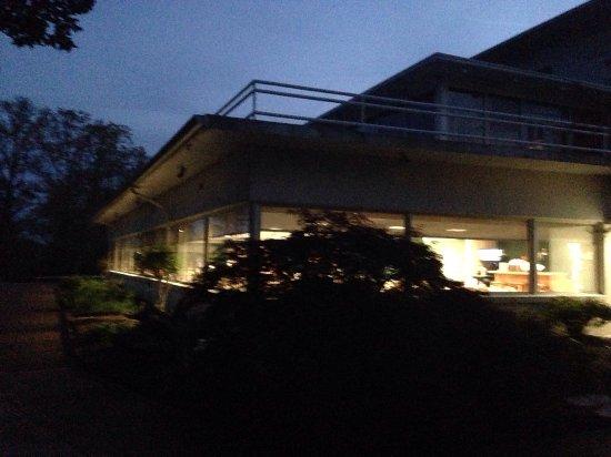 Hardin, KY: Restaurant at dusk from outside