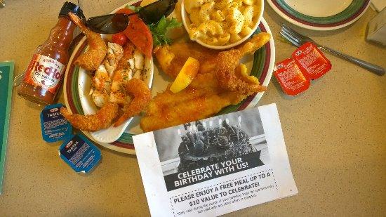 Taylor, MI: Seafood Trio