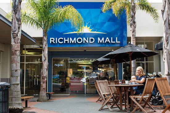 ‪Richmond Mall‬