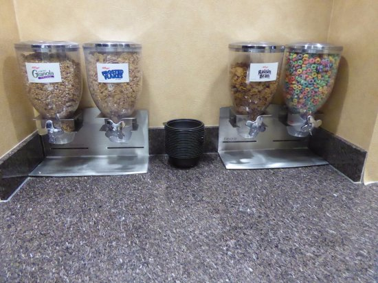 Residence Inn Glenwood Springs: 4 varieties of cold cereals