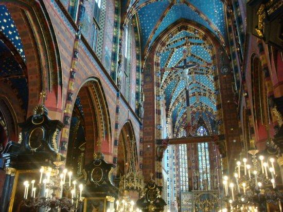 Franciscan Church (Kosciol Franciszkanow): It's awesome! GO!