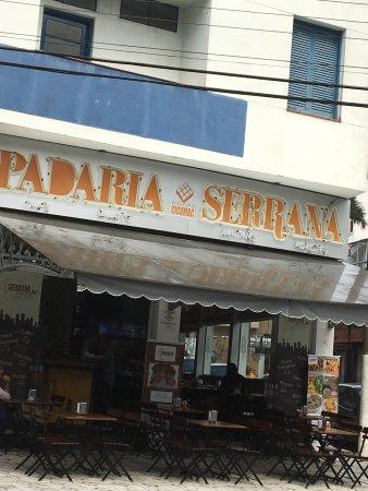 Padaria e Confeitaria Serrana