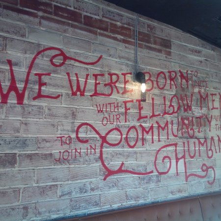 Lafayette, CO: Decorative Wall in Restaurant