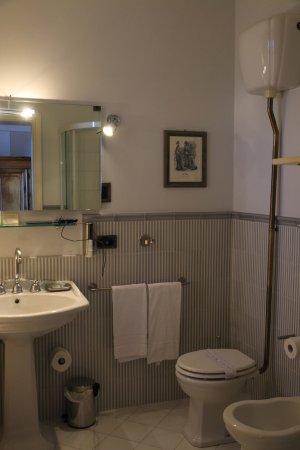 Hotel Villa Beccaris: Bathroom