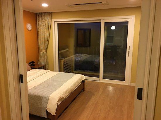 Master Bedroom With Balcony Picture Of Hanhwa Resort Seroak Sokcho Tripadvisor