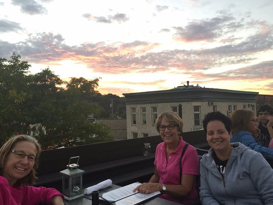 Waukesha, WI: Rooftop @ Taylors People´s Park