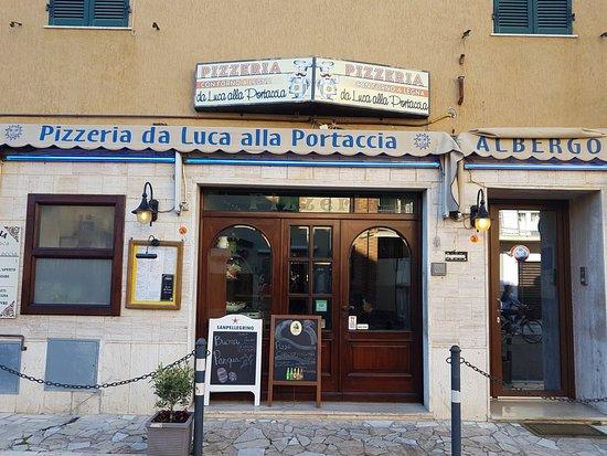 Pizzeria ristorante da luca alla portaccia castiglione for Ristorante da antonietta castiglione della pescaia