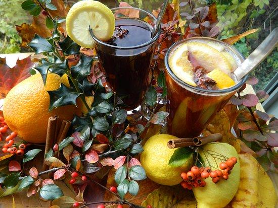 Zlin, Çek Cumhuriyeti: Na zimu vždy nachystáme nějaké speciality. Domácí horké juice, svařák nebo třeba punč...