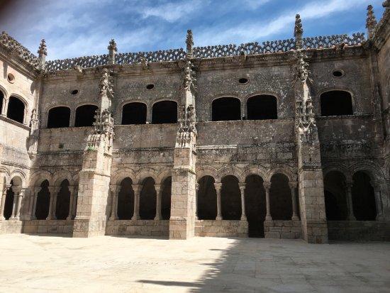 Nogueira de Ramuin, إسبانيا: Claustro III