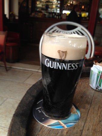 Enjoy Pub Lazise: Guinnes @ Enjoy Pub