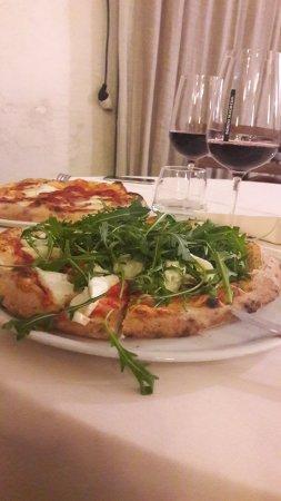 Libery Pizza & Artigianal Beer: pizza con vino