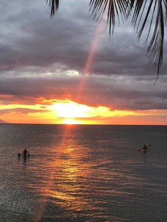 Sunset at Aninuan Beach Resort: photo2.jpg